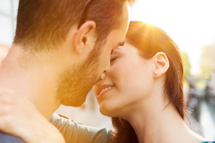 Szerelem szex társkereső oldalak leghíresebb társkereső app Indiában